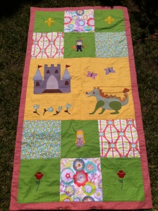Colcha patchwork Caballero, princesa y dragón. Jan et Jul